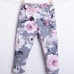 Spodnie dresowe szare w kwiaty