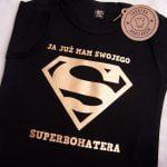 Body czarne z krótkim rękawem rozmiar 80 superbohater