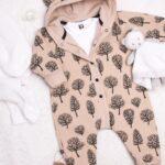 Kremowy pajac niemowlęcy z kapturem i uszkami misia